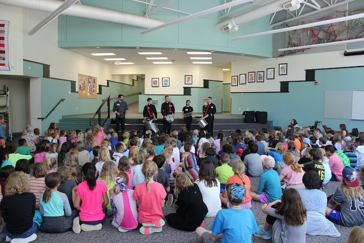 music-in-the-mountains-goes-to-school-assemblies-2